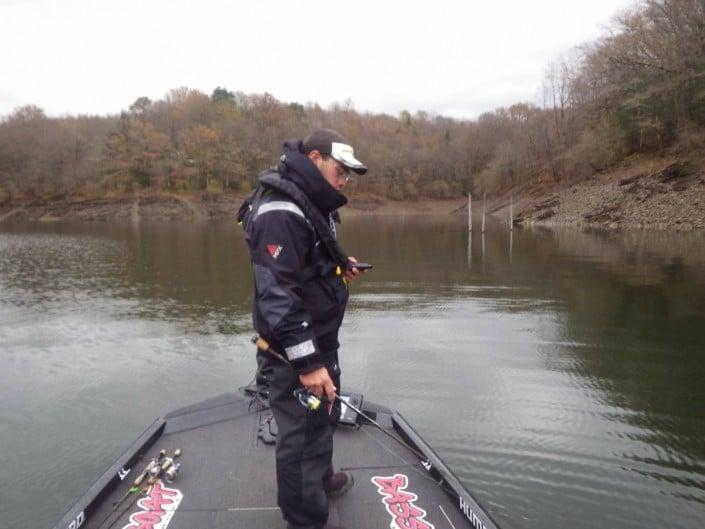 la pêche est dure mais Tristan Poulain ne lâche rien.