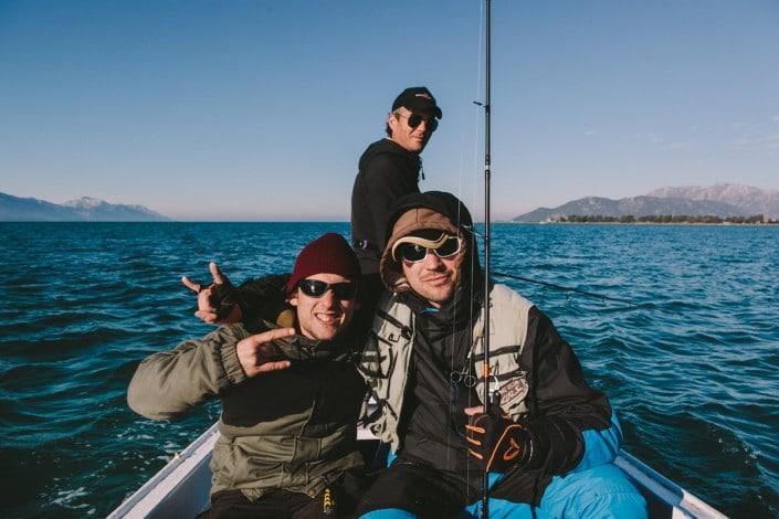 Marko et Luka sont dans un bateau Sakura Croatia