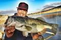 Record personnel pour Hatim avec ce bass de 55 cm pris au Slit Shad Sakura