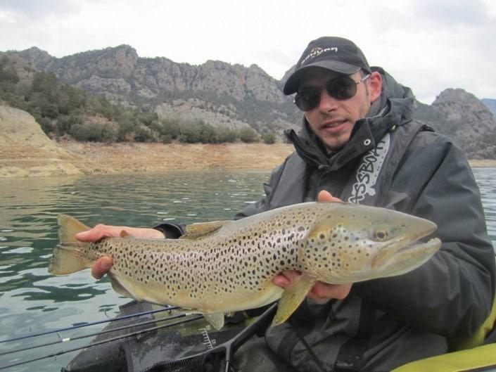 Maxi truite lacustre de Elian au rush diver 90 sakura