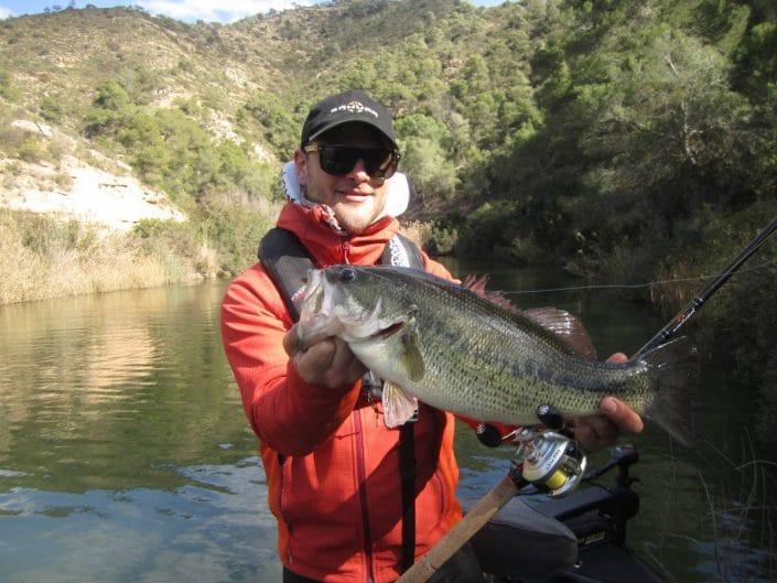 joli bass pris cet hiver sur mequinenza avec une trinis neo 701 H sakura