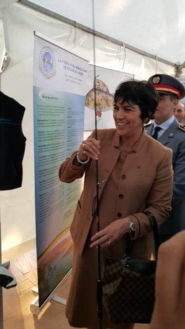 Mme Le Wali d'Agadir apprécie les cannes Sakura