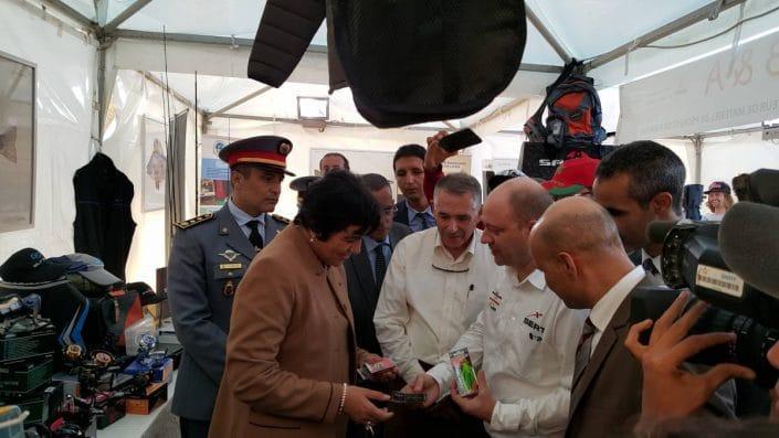 Mme Le Wali d'Agadir apprécie les leurres Sakura