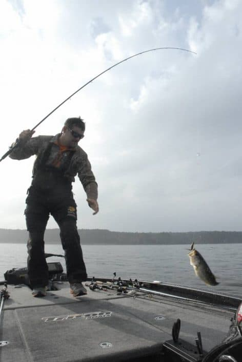 doug in action on Toledo bend with his carolina rig