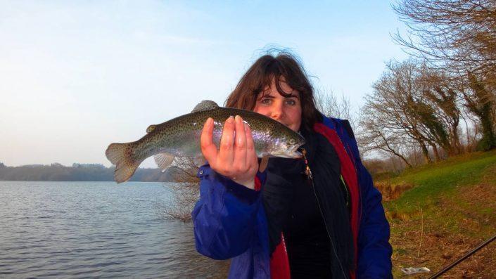 le dernier poisson de l'ouverture de la truite pour claire