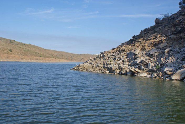 pointe sur le lac alcantara en espagne