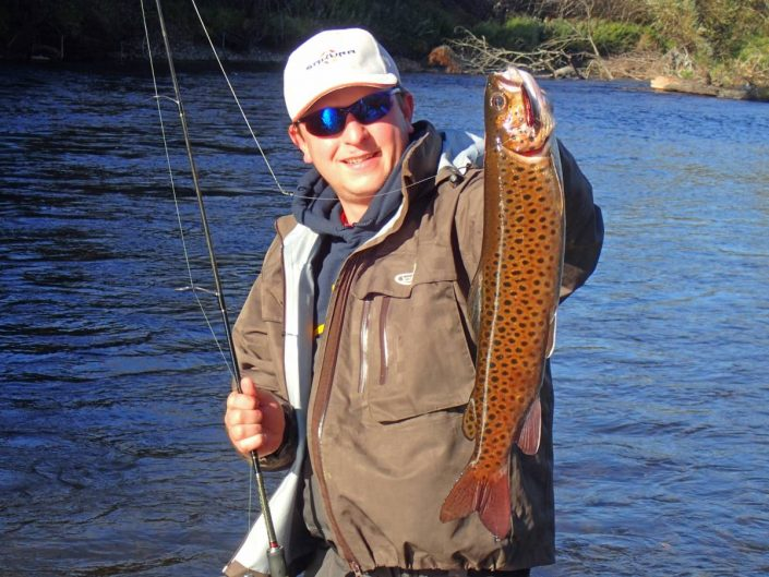 big lenook trout from Russia caught on SAKURA Phoxy Minnow HW S